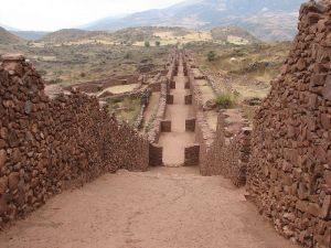 800px-Piquillacta_Archaeological_site_-_street